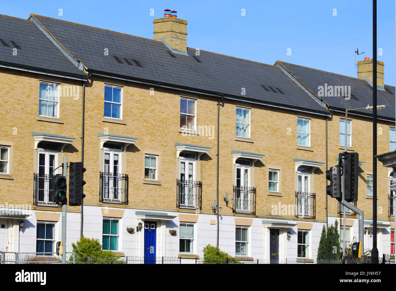 Ornate brick chimney stock photos ornate brick chimney for Terrace house series