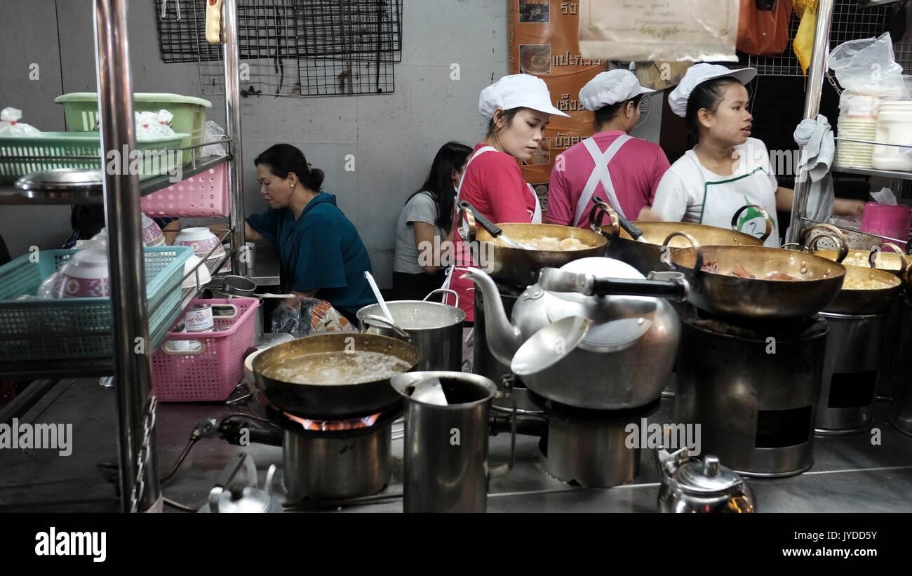 how to go to yaowarat bangkok