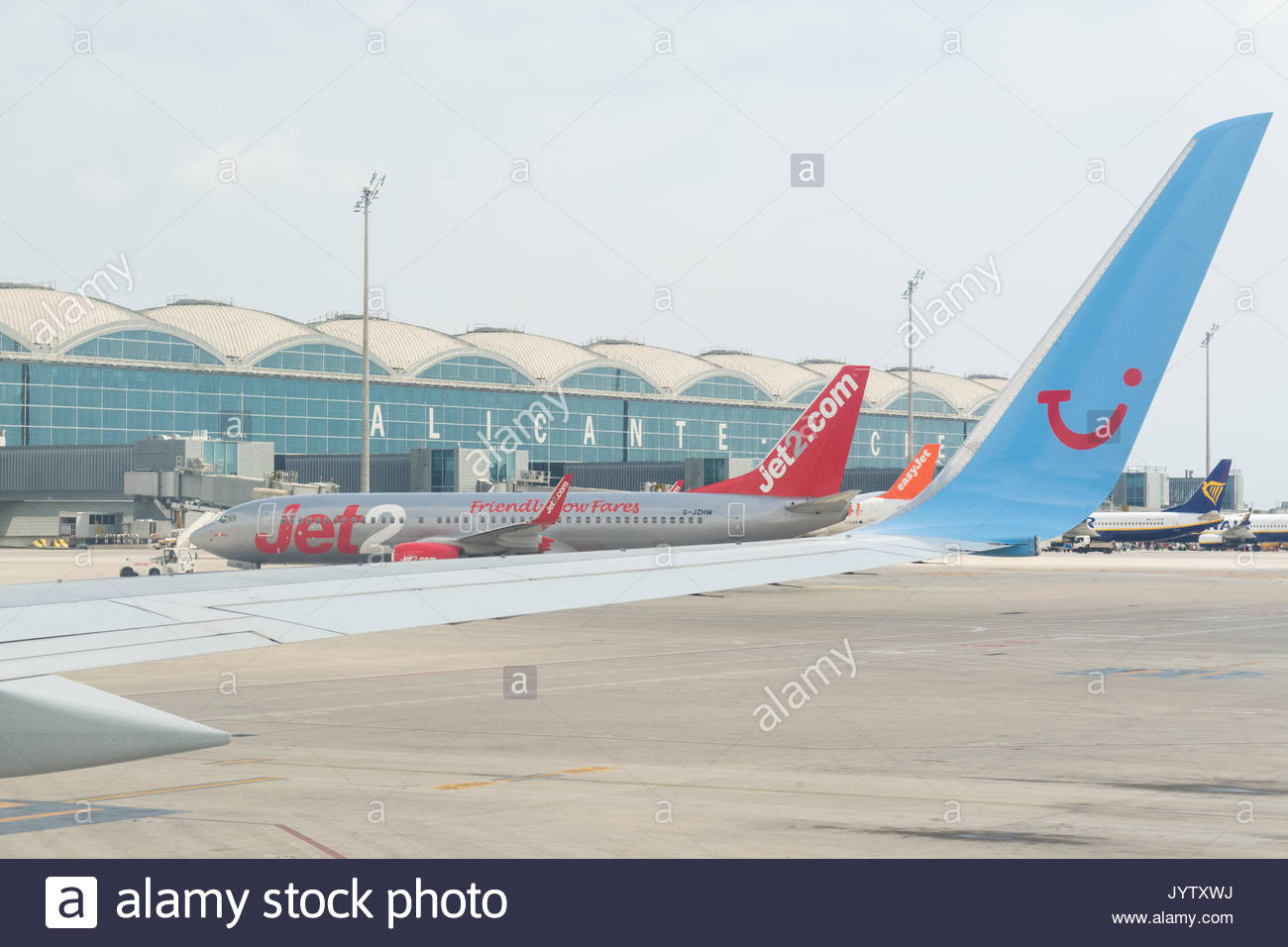 Alicante airport stock photos alicante airport stock - Stock uno alicante ...