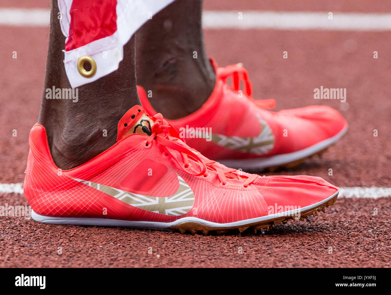 What Running Shoes Does Mo Farah Wear