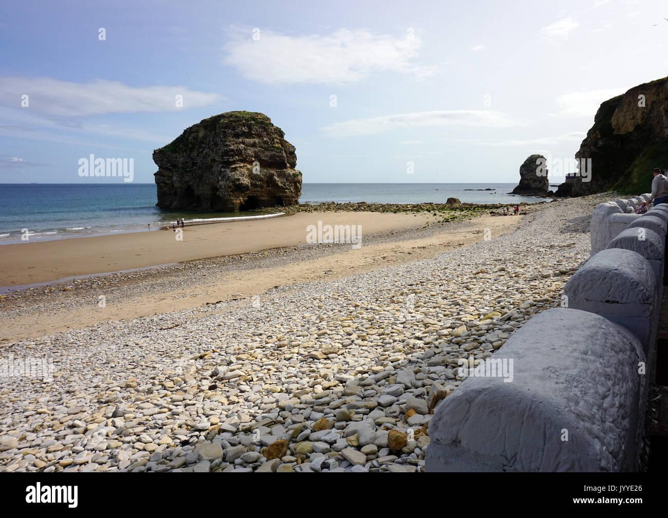 Marsden rock stock photos marsden rock stock images alamy for Assago beach forum