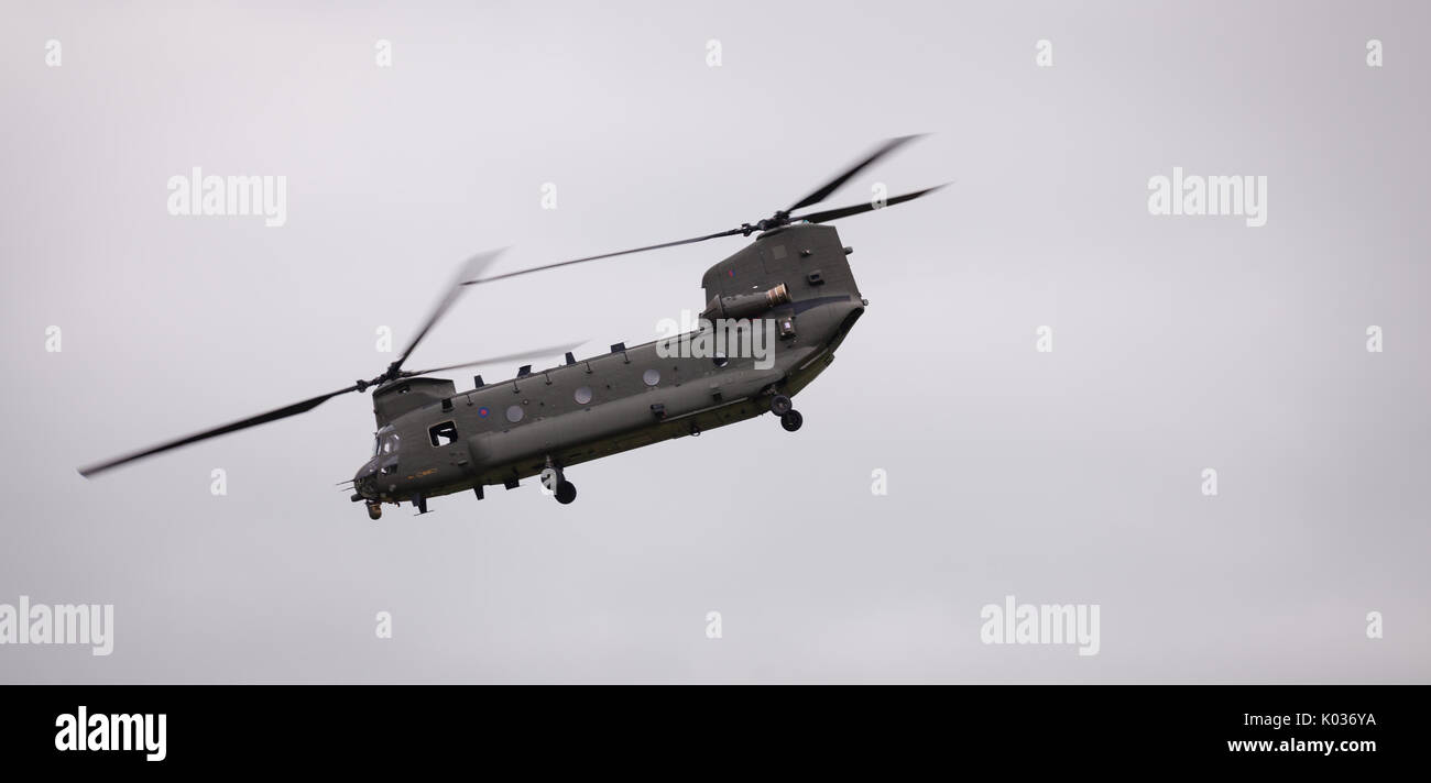 how to fly a chinook helicopter