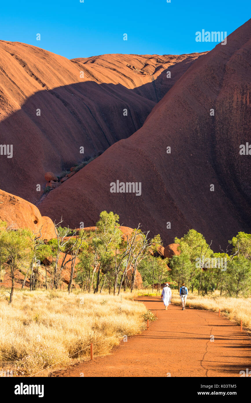 an analysis of the uluru national park in the norther territory View beautiful pictures of uluru, uluru - kata tjuta national park sorted by theme and destinations, browse our large gallery of uluru, uluru - kata tjuta national park photos & images.