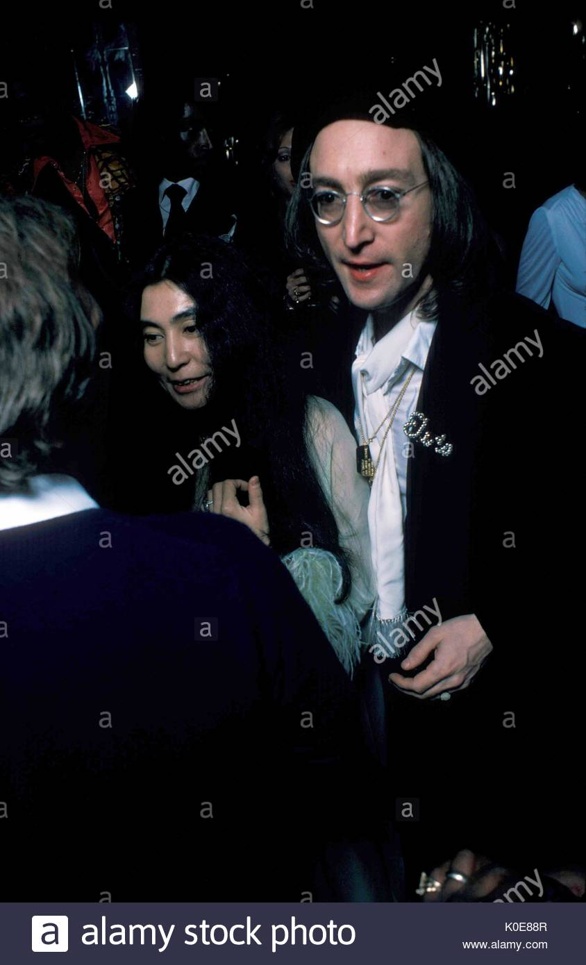 a biography of john lennon the english musician Brief biography: john winston ono lennon, mbe (9 october 1940 – 8 december 1980) (born john winston lennon), was an english musician,.