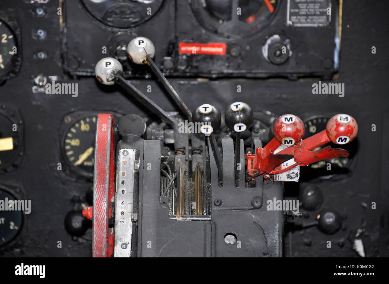DC-3 throttles - Stock Image