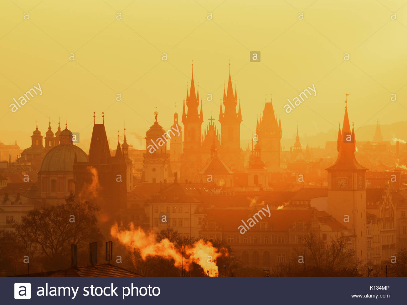 The Gothic church of Our Lady before Tyn during amazing sunrise. City of hundred spires. Beautiful summer morning. - Stock Image
