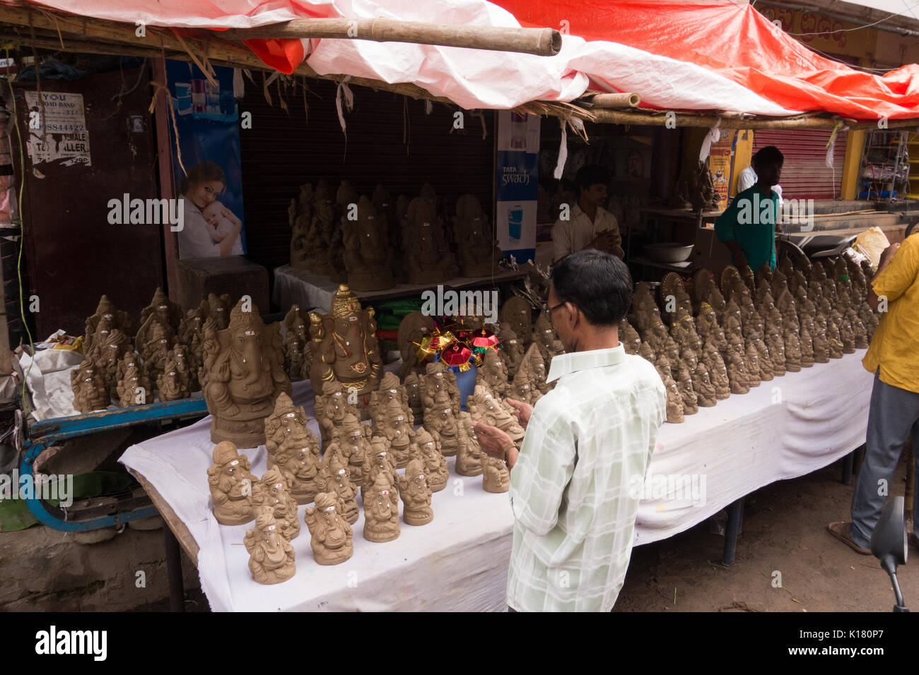 how indian festivals are eco friendly The indian festival of ganapati (ganesha chaturthi) is a case in point  to work  with than clay, but considerably less environmentally friendly.