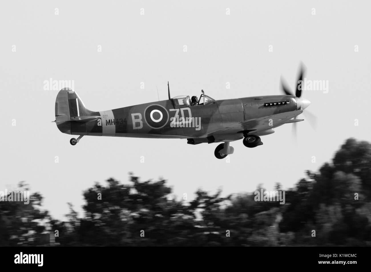 supermarine-spitfire-ix-classic-british-