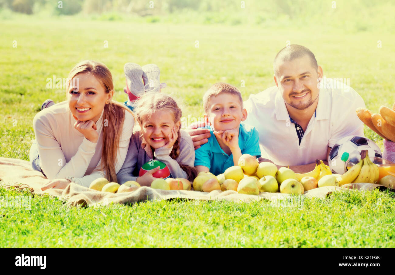 clitherall single parents 7 strategies for single parents steve santiago kay says single parents can also pare down their health-care bills by taking advantage of the many community.