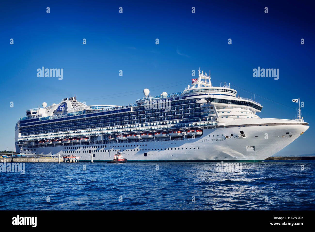 Ruby Princess Cruise Ship Stock Photos Amp Ruby Princess Cruise Ship Stock Images Alamy