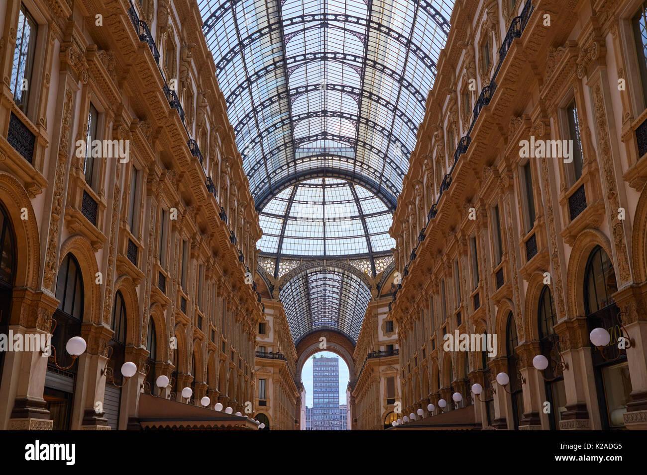 Milan Shopping Centre Stock Photos & Milan Shopping Centre ...