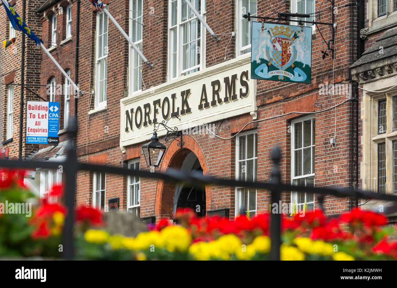 norfolk-arms-hotel-in-the-high-street-in