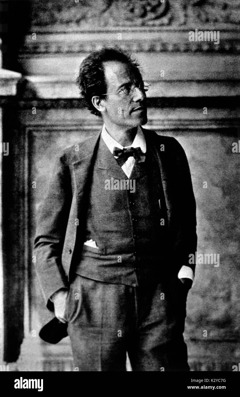 Wiener Maler Gustav : gustav mahler 1907 in loggia of vienna court opera house wiener stock photo royalty free ~ A.2002-acura-tl-radio.info Haus und Dekorationen
