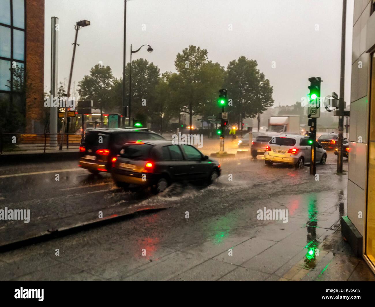 Paris, France, Street Scene, Porte de Montreuil, Under Heavy Rain Storm - Stock Image