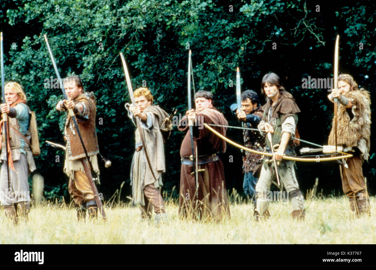 ROBIN OF SHERWOOD GOLDCREST FILMS/HTV L-R: ?, RAY WINSTONE , ? , PHIL ROSE (Friar Tuck), ? , MICHAEL PRAED (Robin - Stock Image