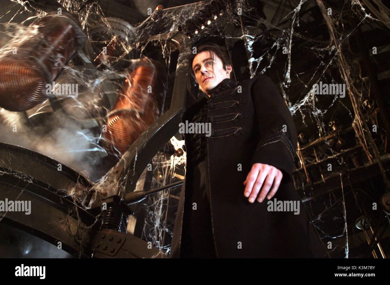 VAN HELSING RICHARD ROXBURGH as Count Dracula     Date: 2004 - Stock Image