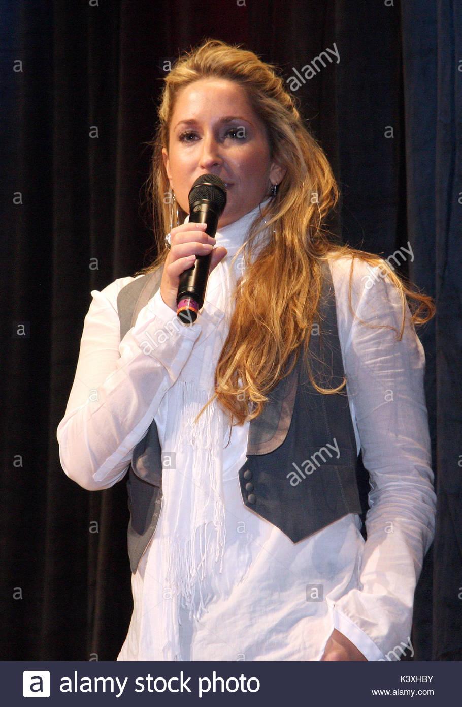 Heidi Tour Dates