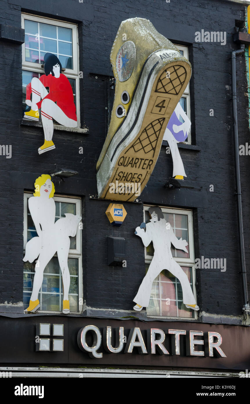 artwork-on-the-side-of-quarter-shoe-shop-on-camden-town-high-street-K3Y6DJ.jpg