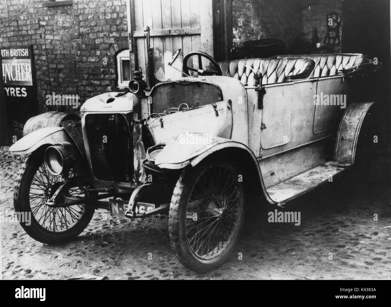 1912 Stoneleigh 12hp with accident damage - Stock Image
