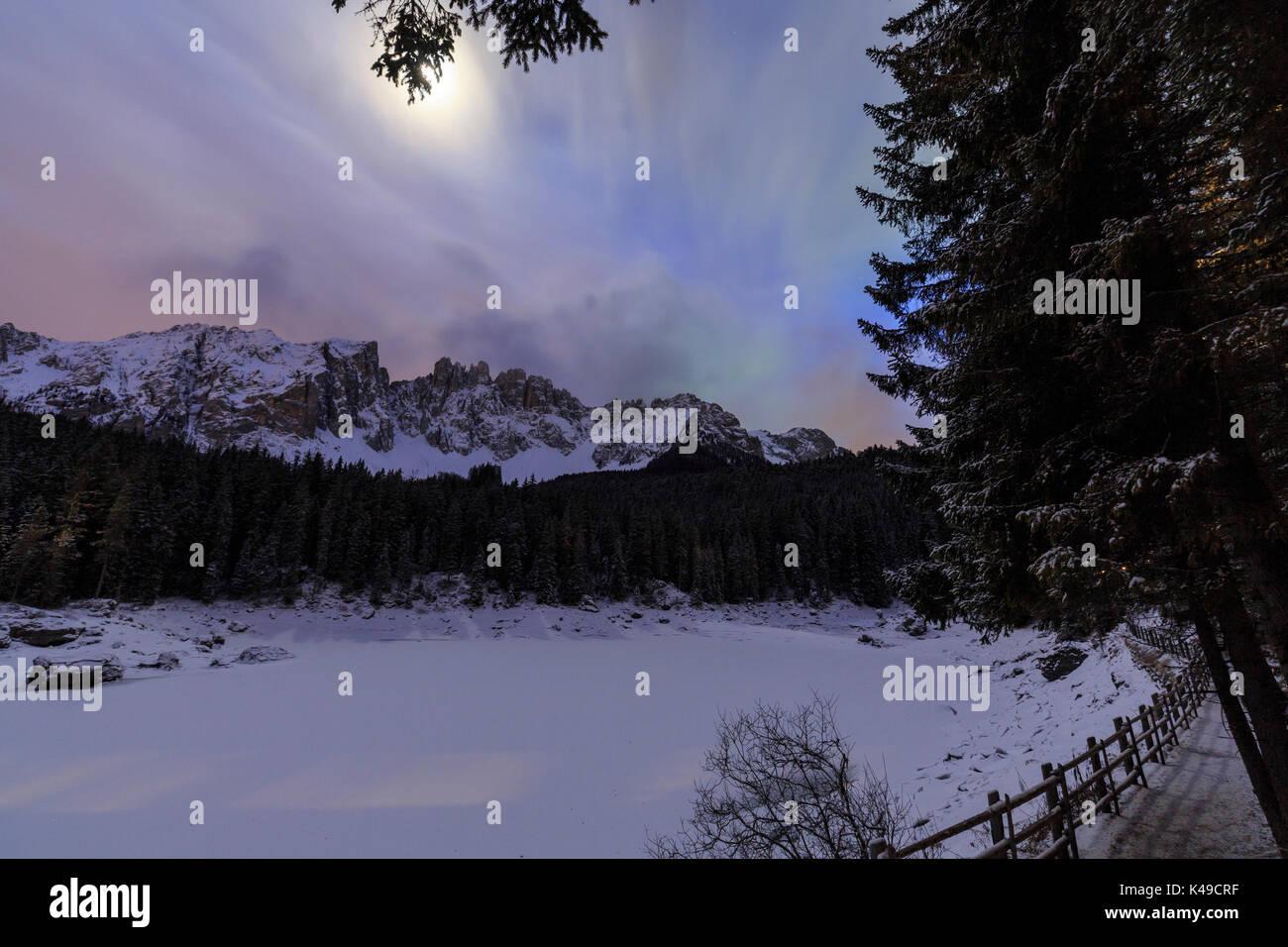 Lake Moon Night Stock Photos & Lake Moon Night Stock Images - Alamy