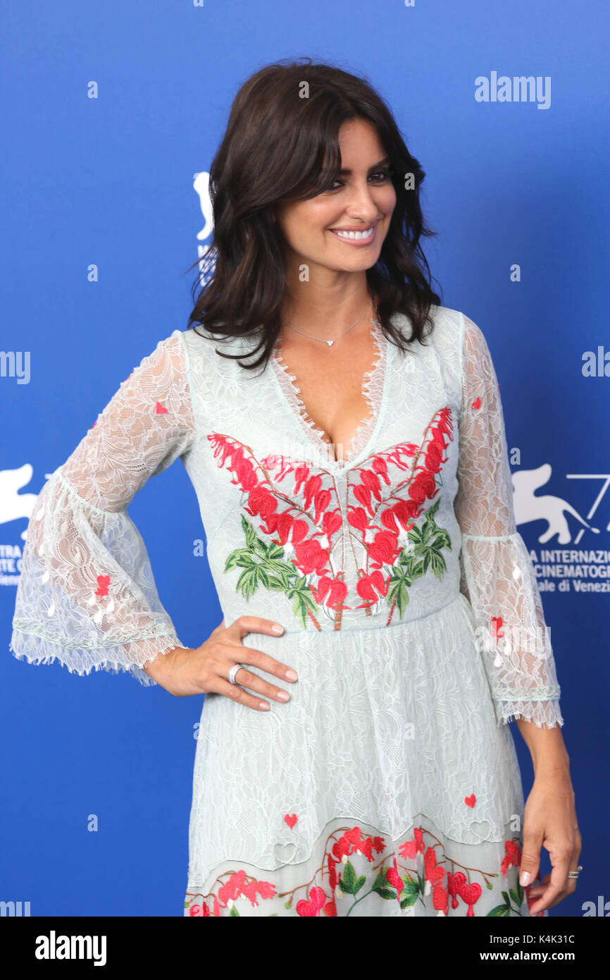 Lido Di Venezia, Italy. 06th Sep, 2017. Europe, Italy, Lido di Venezia, 06 september, 2017 : Penelope Cruz at the - Stock Image