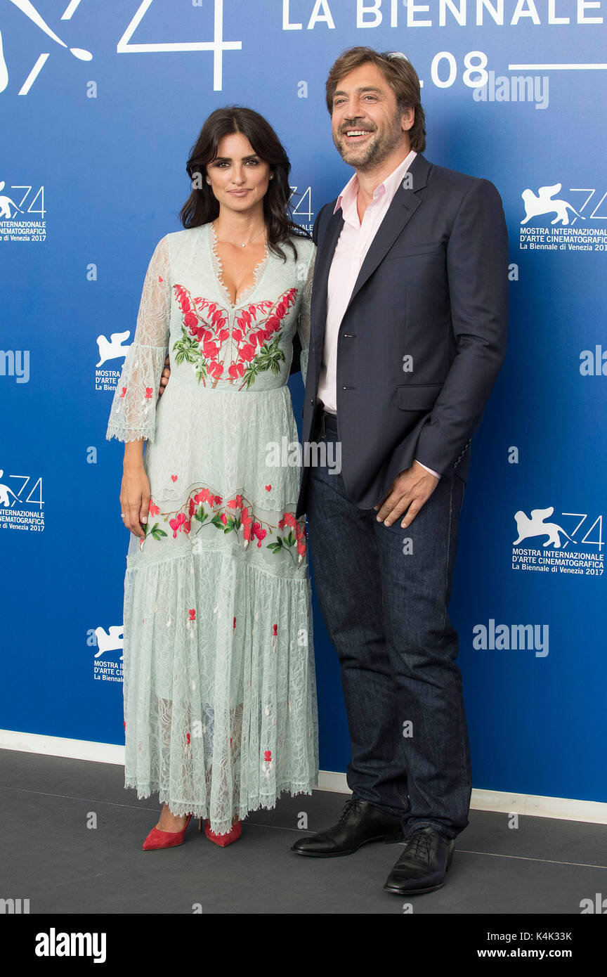 Venice, Italy. 06th Sep, 2017. Penelope Cruz and husband Javier Bardem during the 'Loving Pablo' photocall - Stock Image