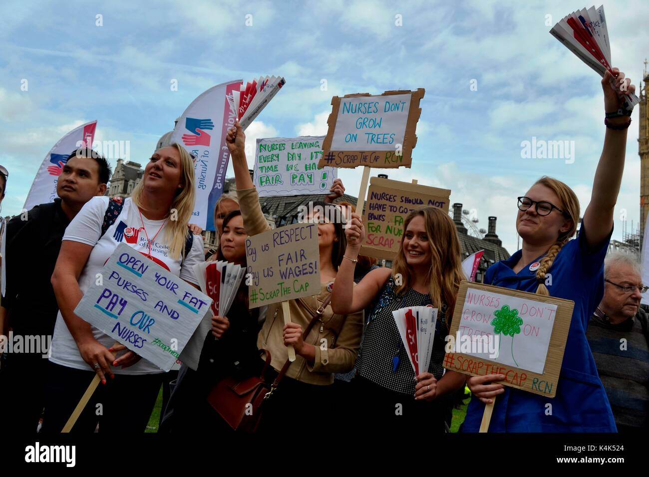 London, UK. 06th Sep, 2017. Thousands of nurses protest in Westminster, London against the pay cuts 6 September, - Stock Image