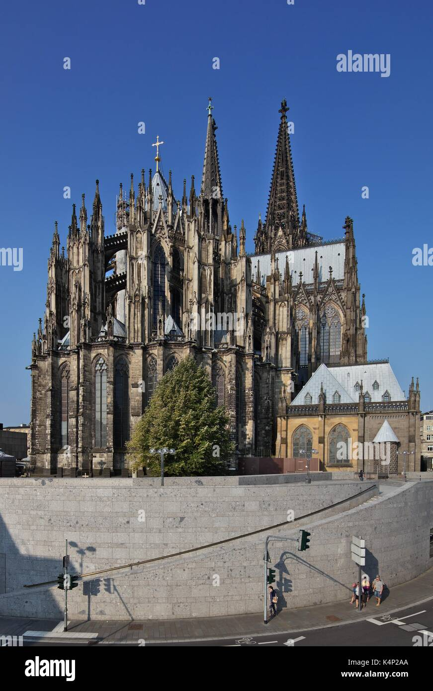 cologne-cathedral-K4P2AA.jpg