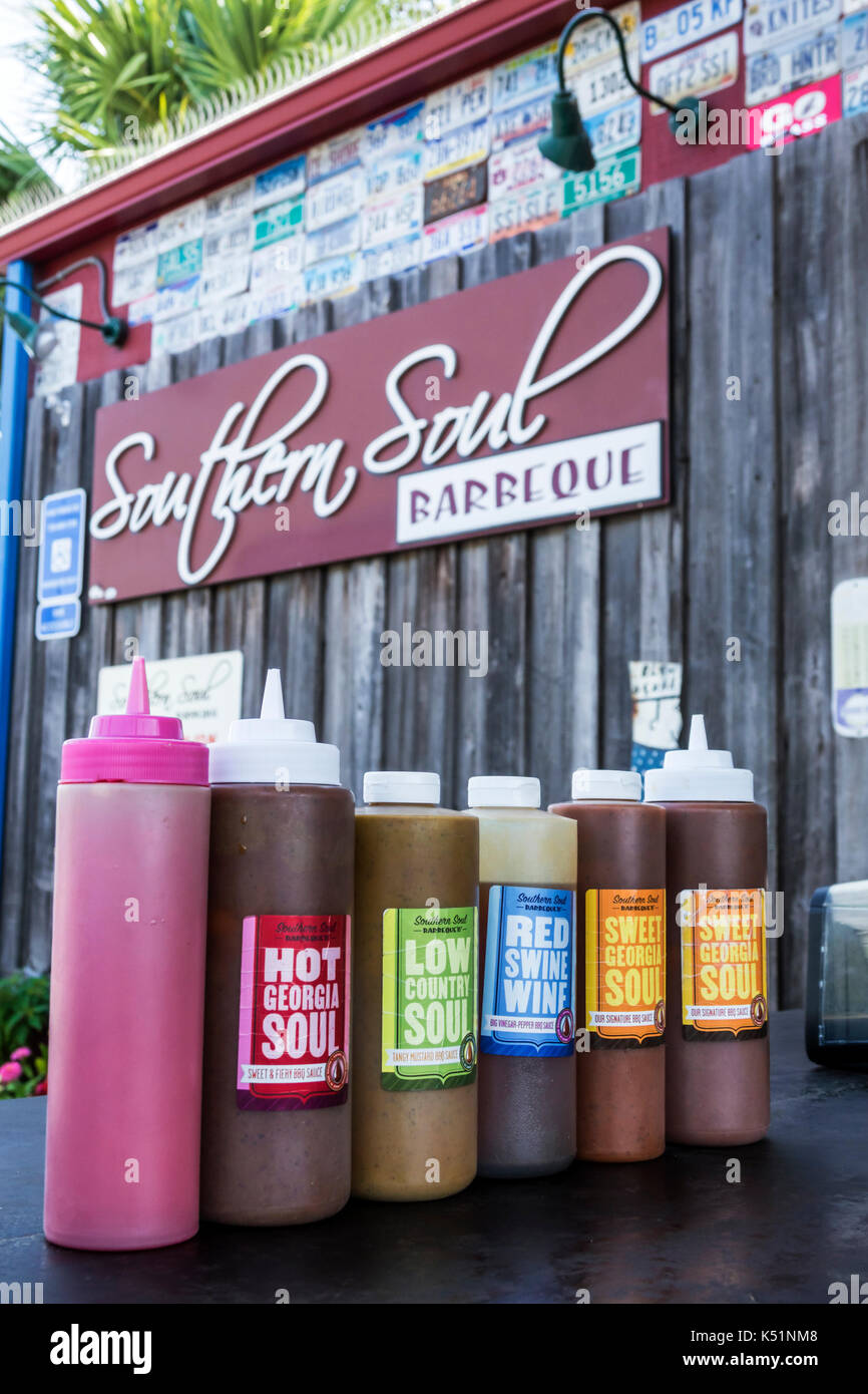 St. Saint Simons Island Georgia Southern Soul Barbeque restaurant BBQ outside sauce plastic bottle - Stock Image
