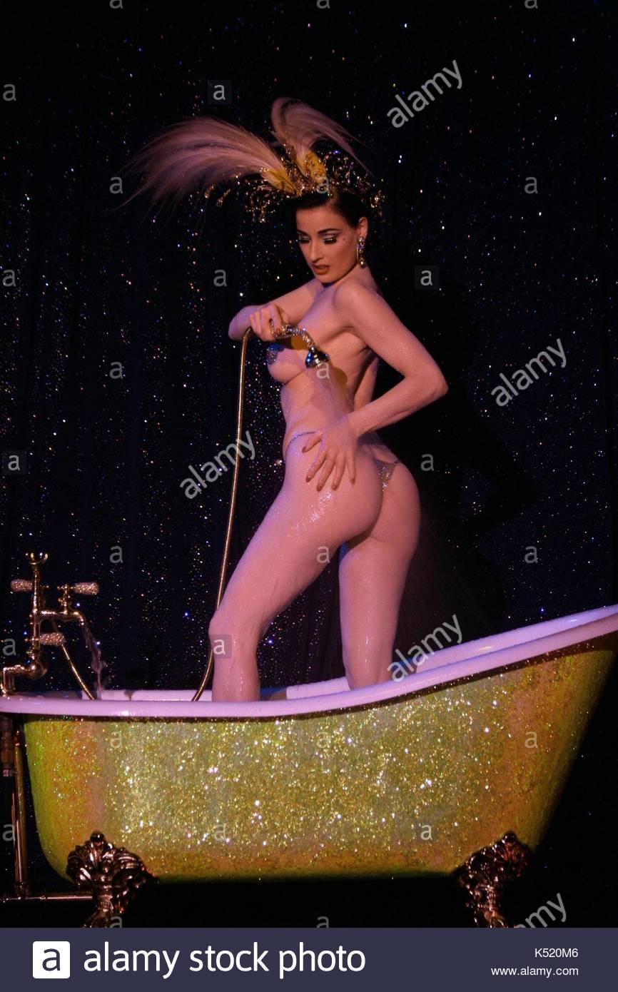 hot nude sexy cheerleaders
