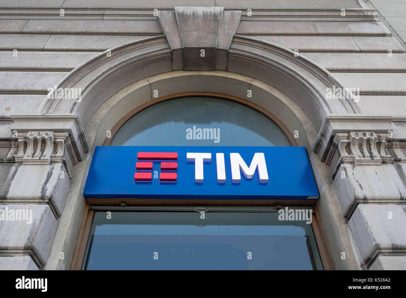 Telecom italia mobile tim store stock photos telecom for Italia mobile
