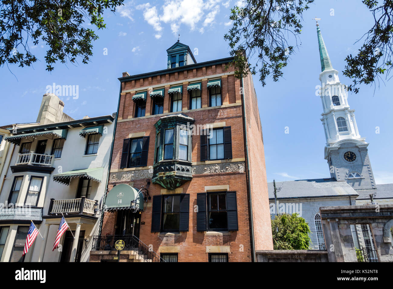 Savannah Georgia historic district Chippewa Square Foley House Inn bed and breakfast haunted house exterior Independent - Stock Image