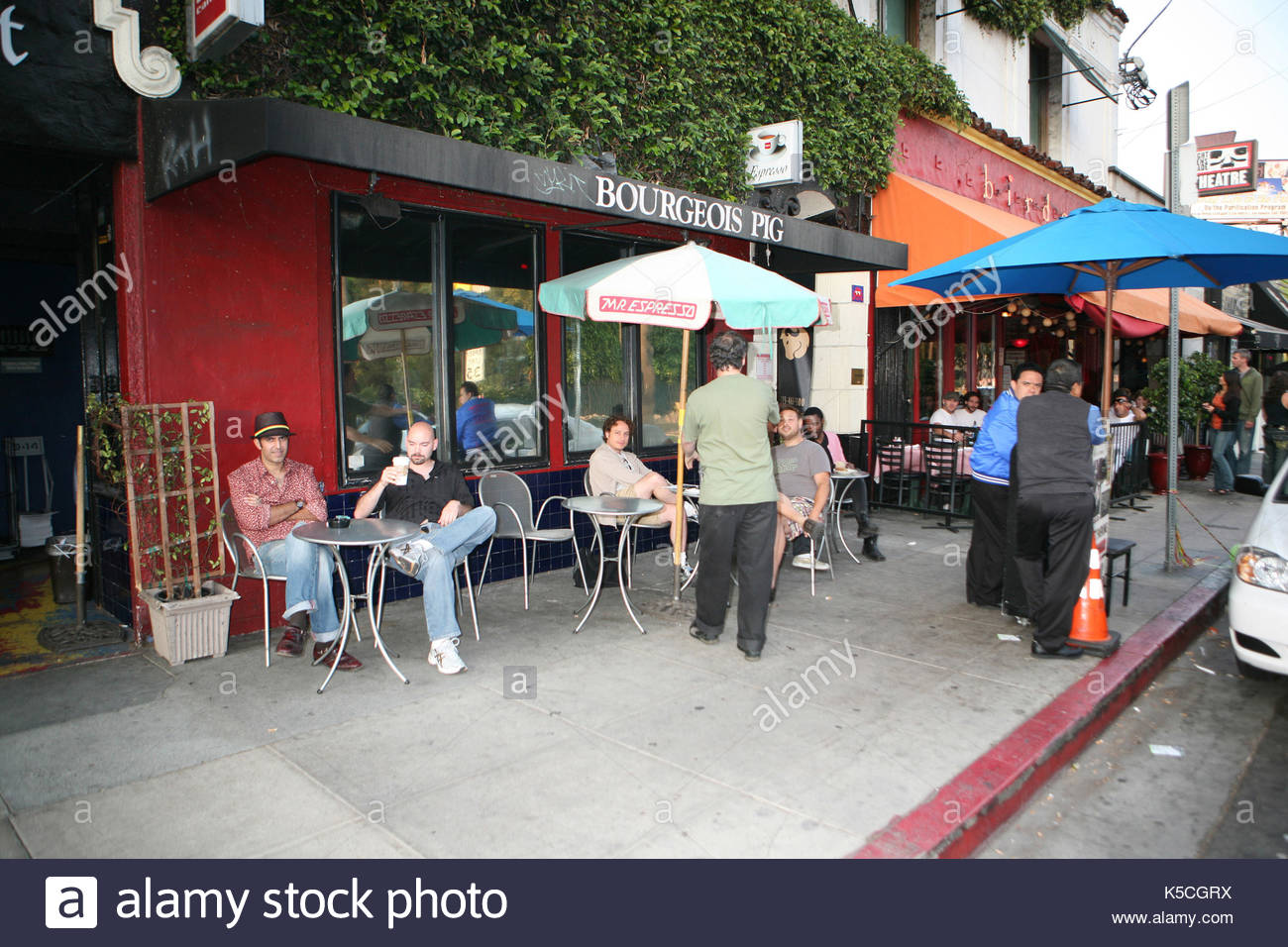 The Bourgeois Pig. Teen Choice winner Daren Kagasoff and Jonas star Chelsea Staub spotted at a low key coffee shop - Stock Image