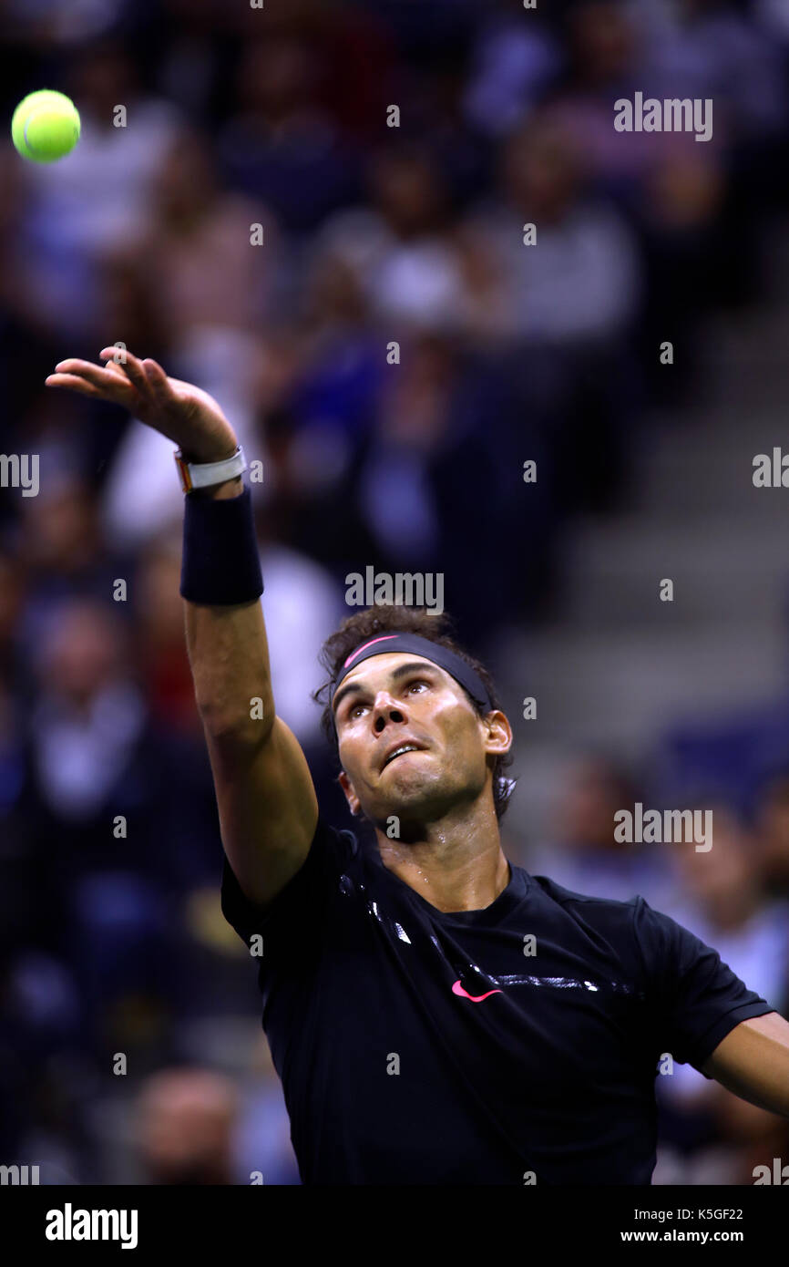 US Open Tennis: New York, 8 September, 2017 - Rafael Nadal of Spain serving during his victory over Argentina's - Stock Image