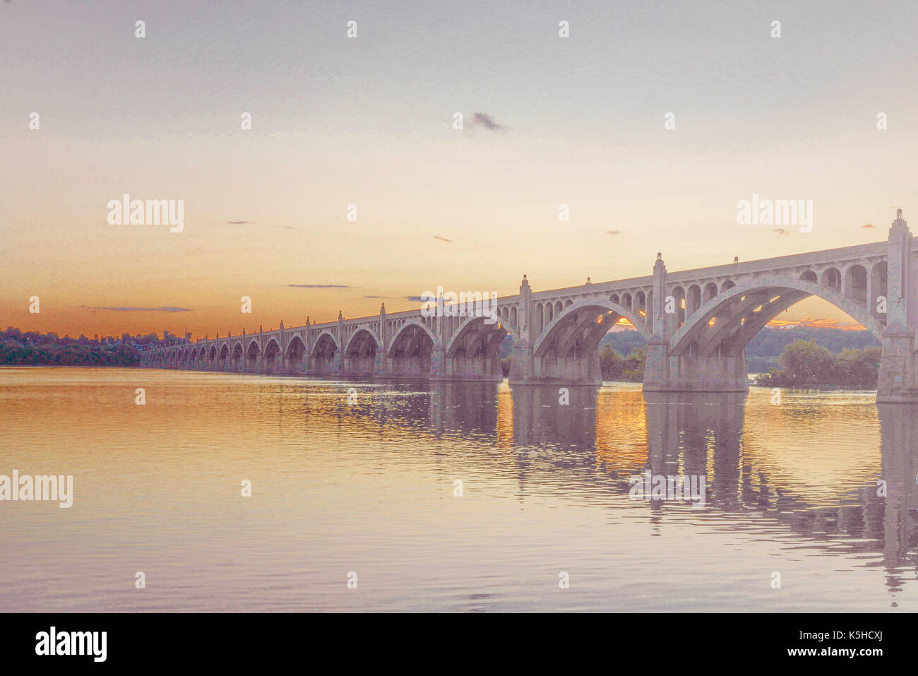 Veterans Memorial Bridge spanning the Susquehanna River between Wrightsville PA and Columbia PA - Stock Image