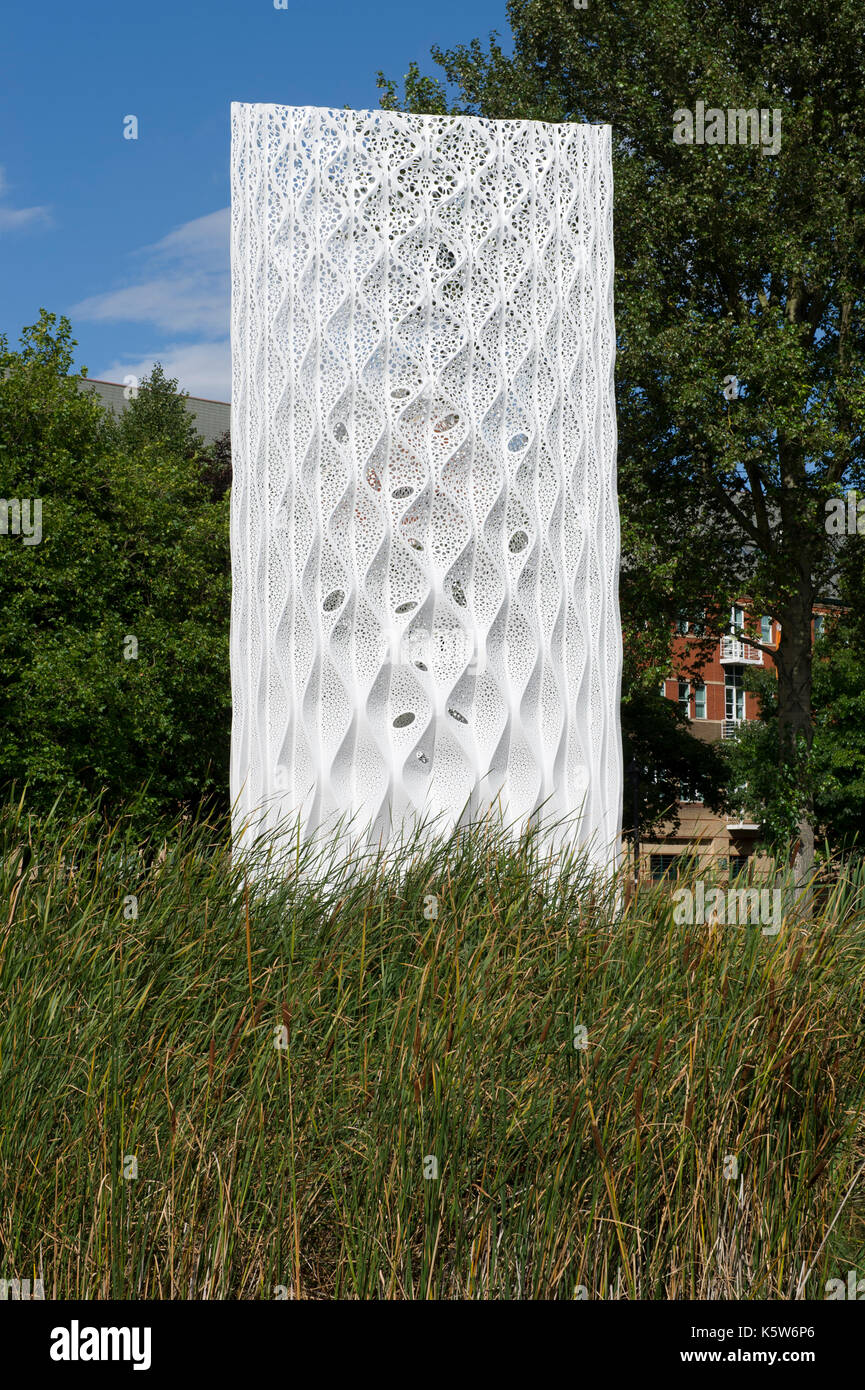 The Solar Gate sculpture installed in Queens Gardens in Kingston Upon Hull, UK City Of Culture 2017 - Stock Image