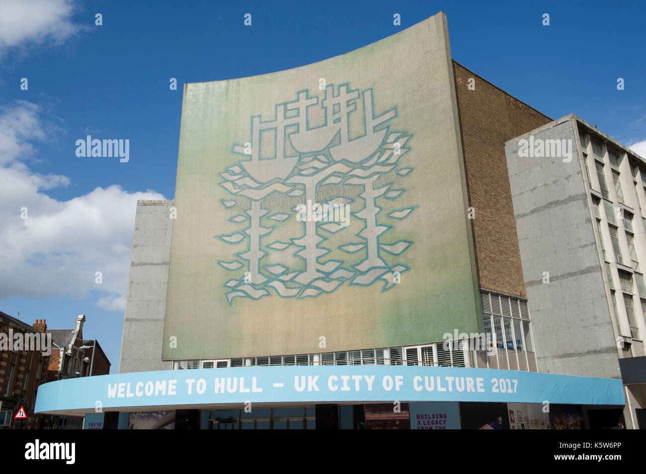 The Three Ships Mural Mosaic on the old Co-op/ BHS building in the centre of Kingston Upon Hull, UK City Of Culture - Stock Image