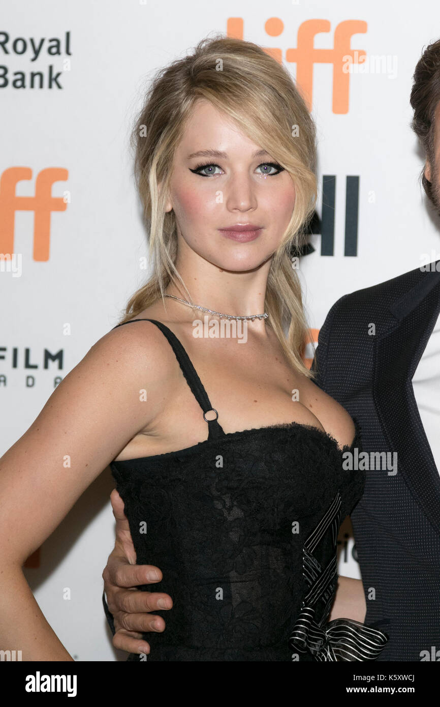 Toronto, Canada. 10th Sep, 2017. Jennifer Lawrence attends the premiere of 'Mother!' during the 42nd Toronto - Stock Image