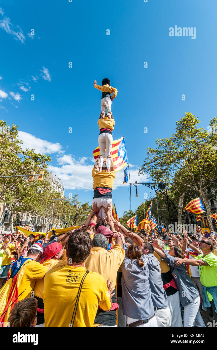 Barcelona, Spain. 11th Sep, 2017. Thousands of pro-independence flags (estelades) fill Barcelona streets. People Stock Photo