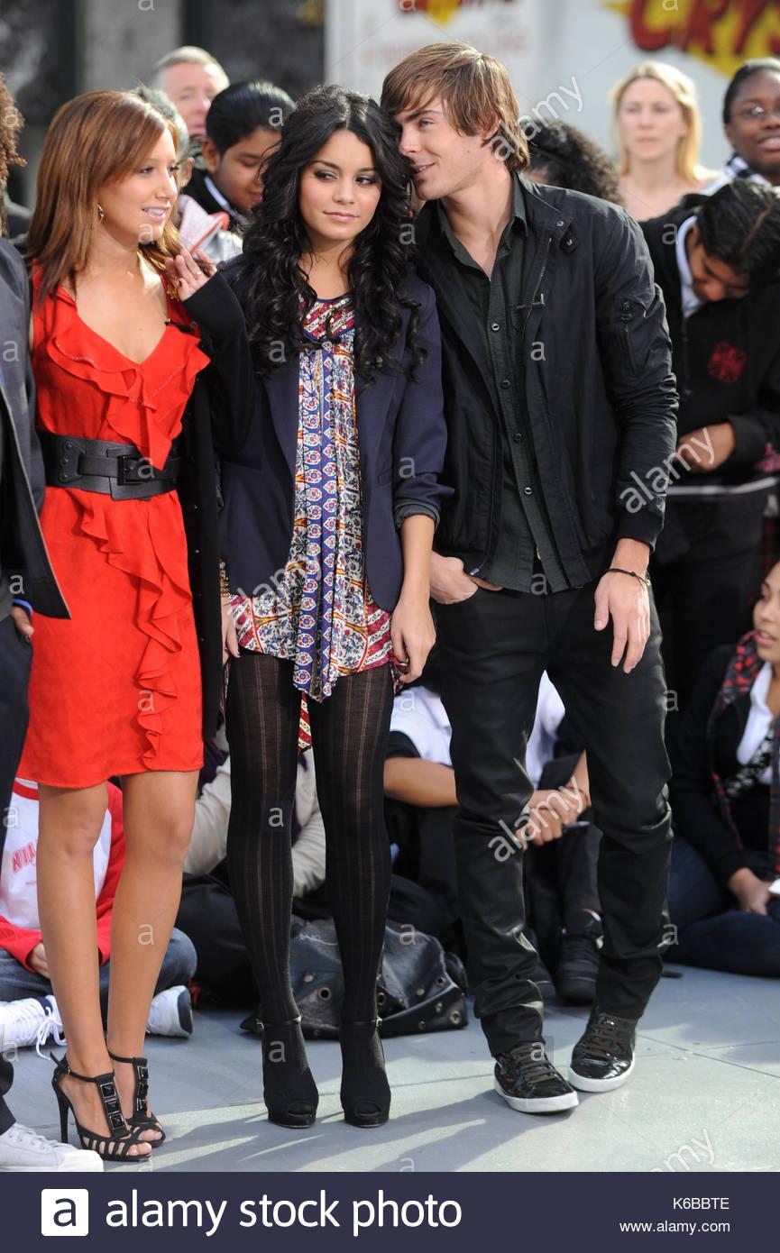 Vanessa And Ashley High School Musical Stock Photos