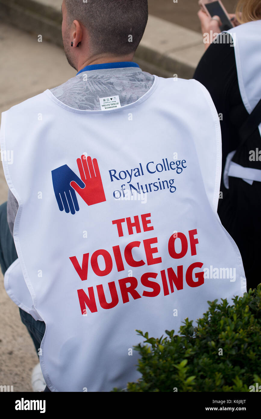 Scrap The Cap protest - Thousands of nurses gather at Parliament Square, London, to campaign against the government's - Stock Image