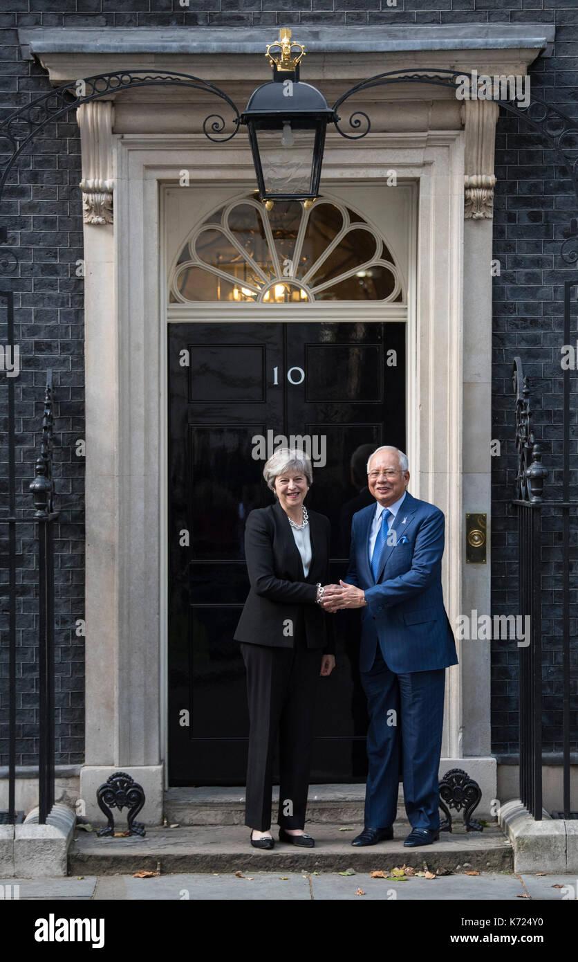 London, UK. 14th Sep, 2017. UK Prime Minister Theresa May welcomes Prime Minister Najib Razak of Malaysia at 10 - Stock Image