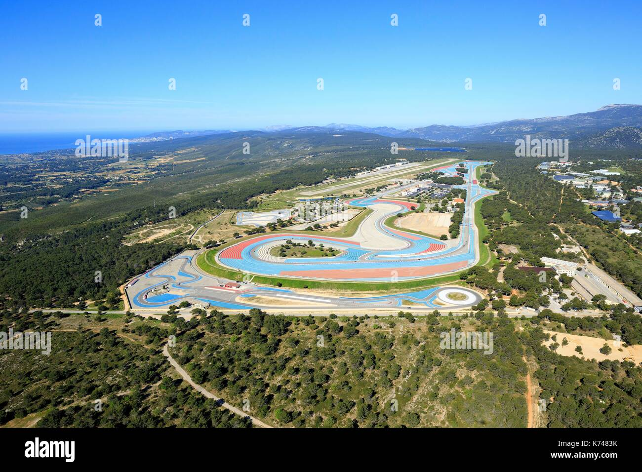 le castellet aerial view stock photos le castellet aerial view stock images alamy. Black Bedroom Furniture Sets. Home Design Ideas