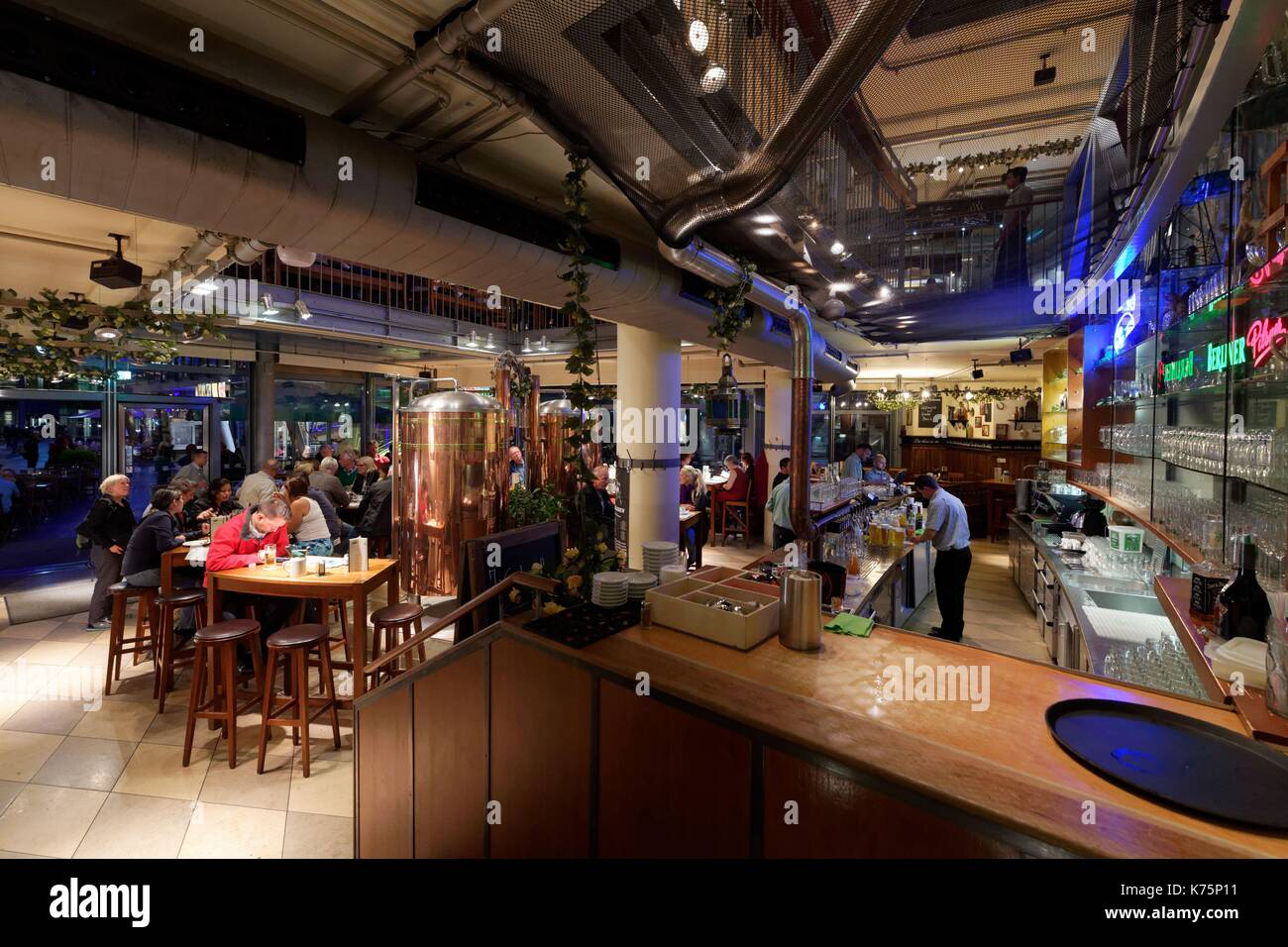 berlin tiergarten cafe stock photos berlin tiergarten cafe stock images alamy. Black Bedroom Furniture Sets. Home Design Ideas