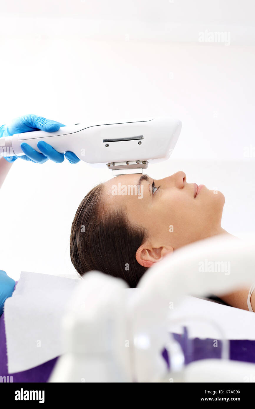 Scar Removal Stock Photos Amp Scar Removal Stock Images Alamy