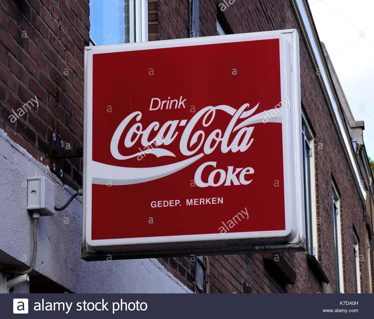 analysis coca cola advertising Swot analysis of coca-cola company coca-cola has the heavy advertising and promoting activities coca-cola swot analysis coca-cola company swot analysis.