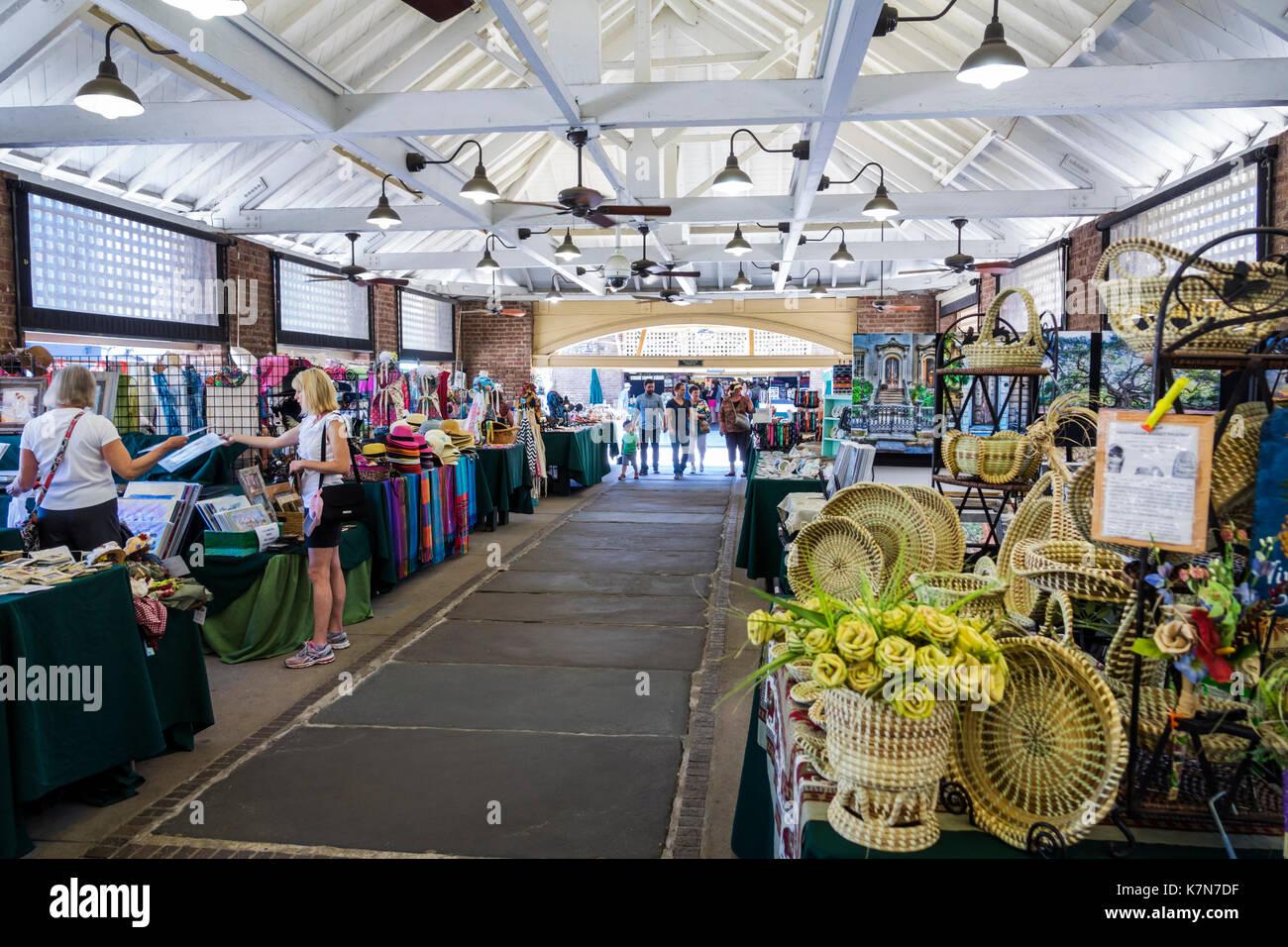 Charleston South Carolina SC Historic Downtown Charleston City Market shopping vendors stalls - Stock Image