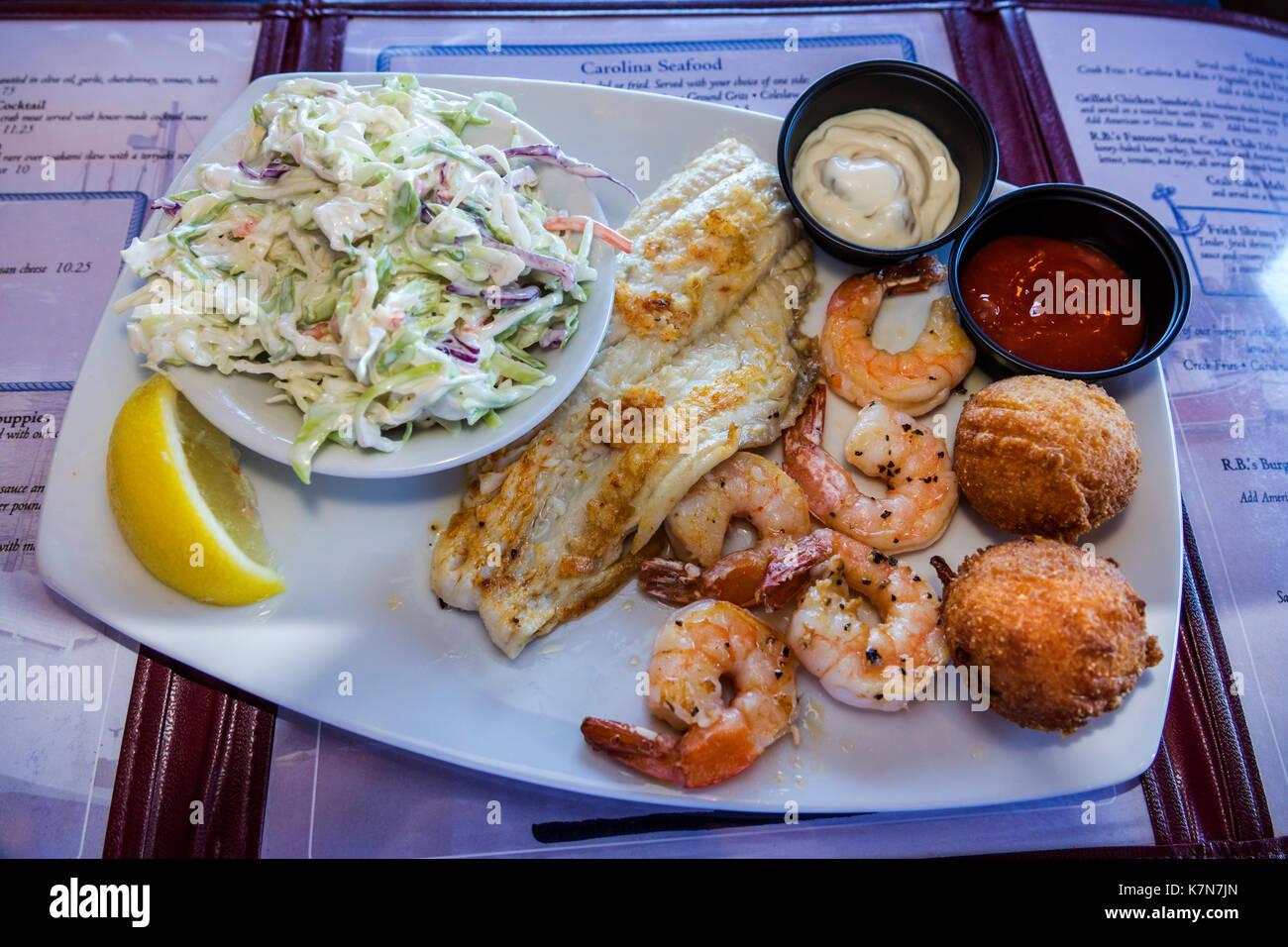 South Carolina SC Mt. Pleasant Shem Creek waterfront R.B.'s Seafood Restaurant dining plate shrimp fish filet - Stock Image