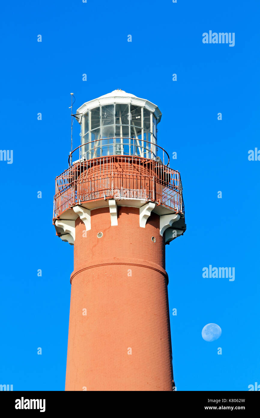 barnegat light Oceanfront to bay front in surf city, north beach, harvey cedars, loveladies and  barnegat light as well as ship bottom and southwe have lbi rental homes.