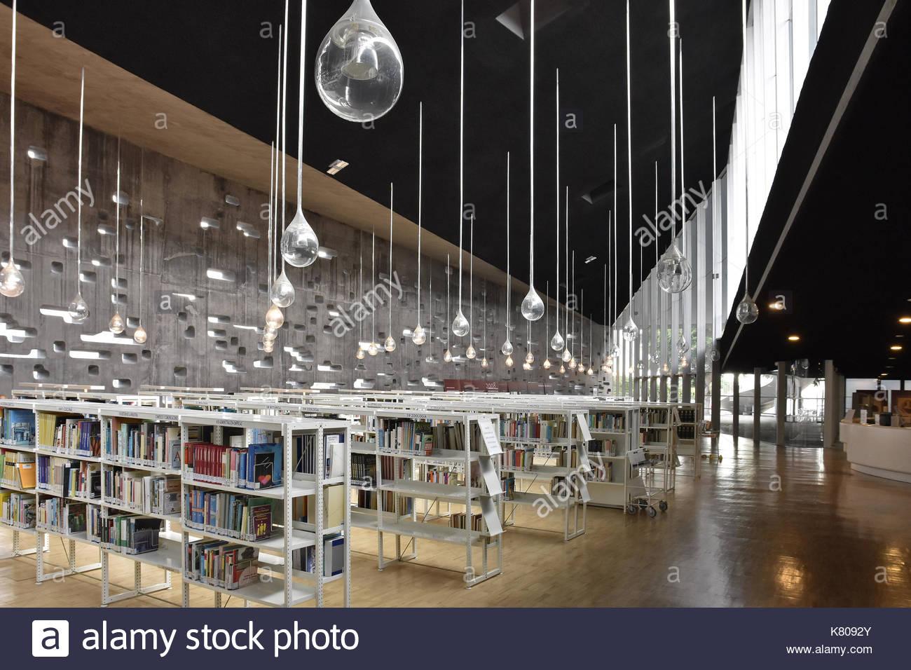 Library interior design stock photos library interior for Espacio interior